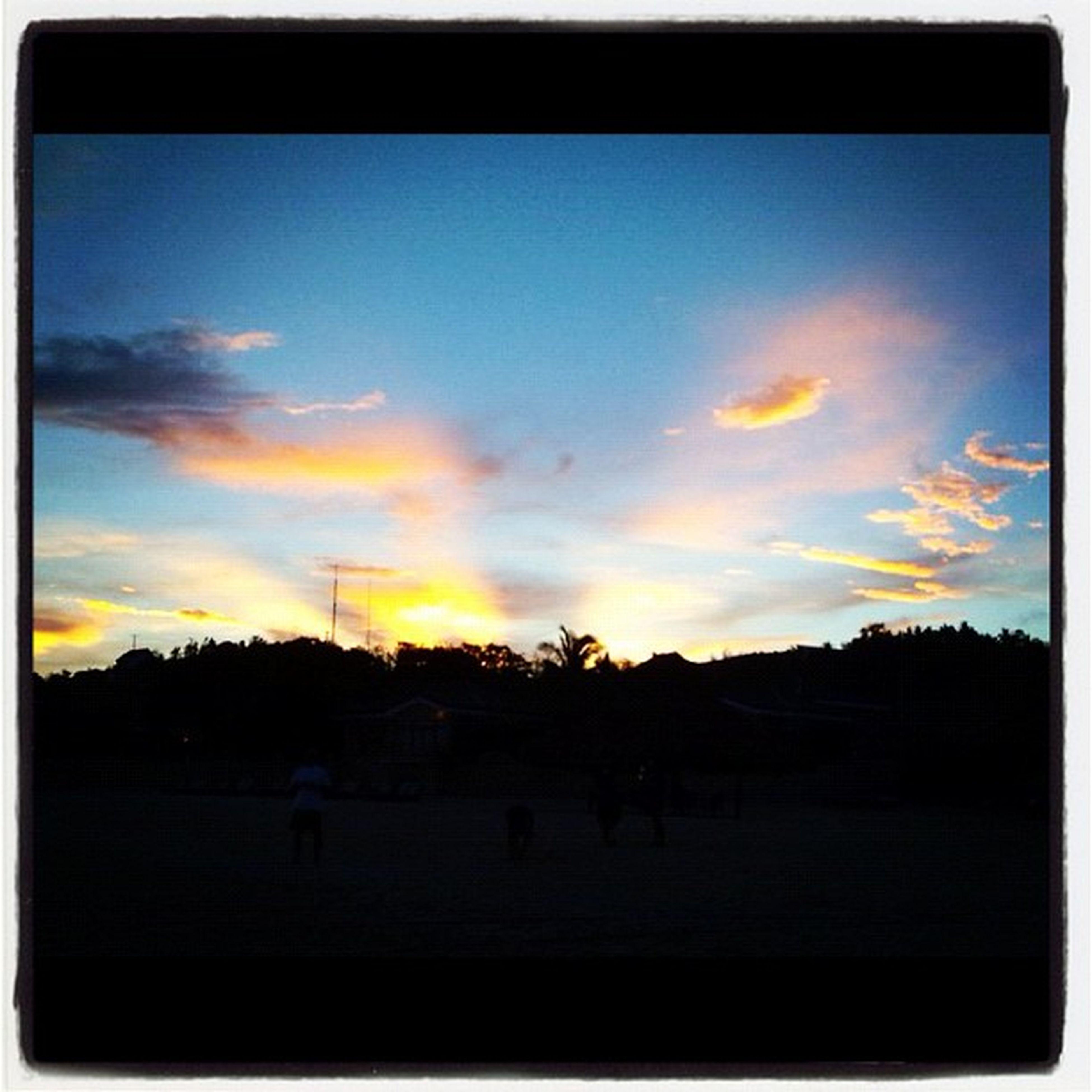 Sunset Travel Misibisbay Globalnomads