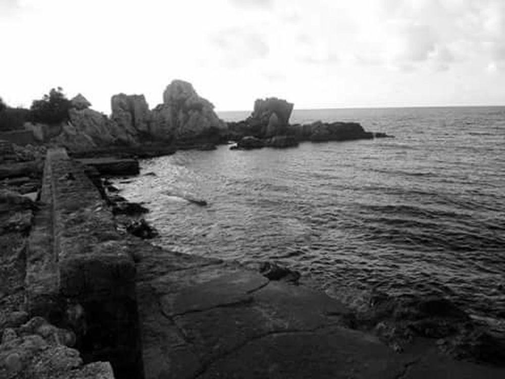 Kapuz Black Sea♥ Black And White Eyem Nature Lover