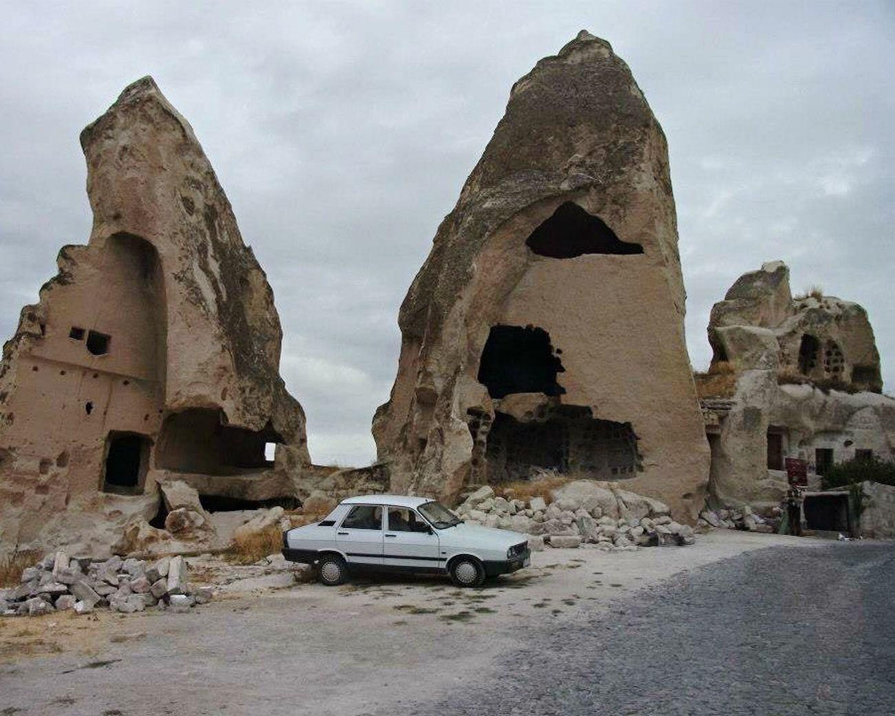 Vintage Car Turkey Kapadokya Cave House