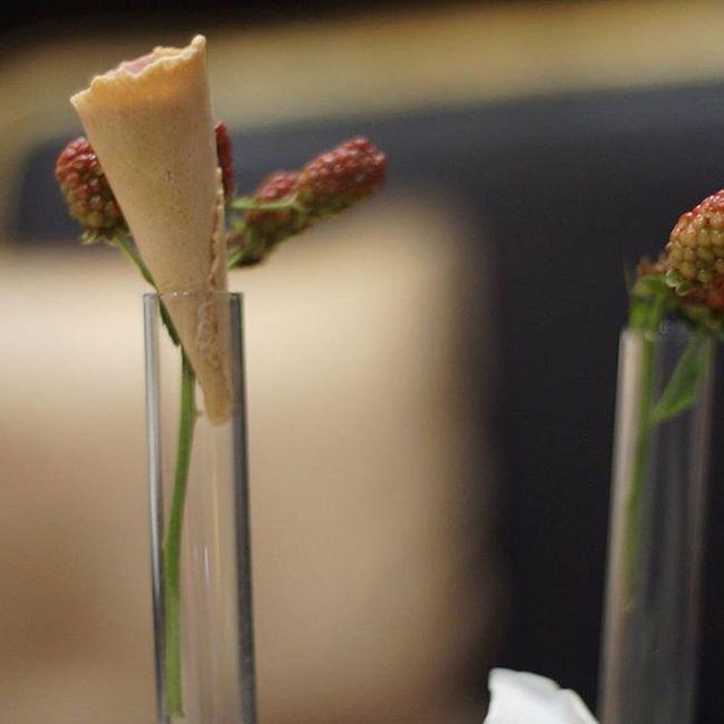 Edible  Edibledecor Eventplanner Creative Wafers shaped like flowers
