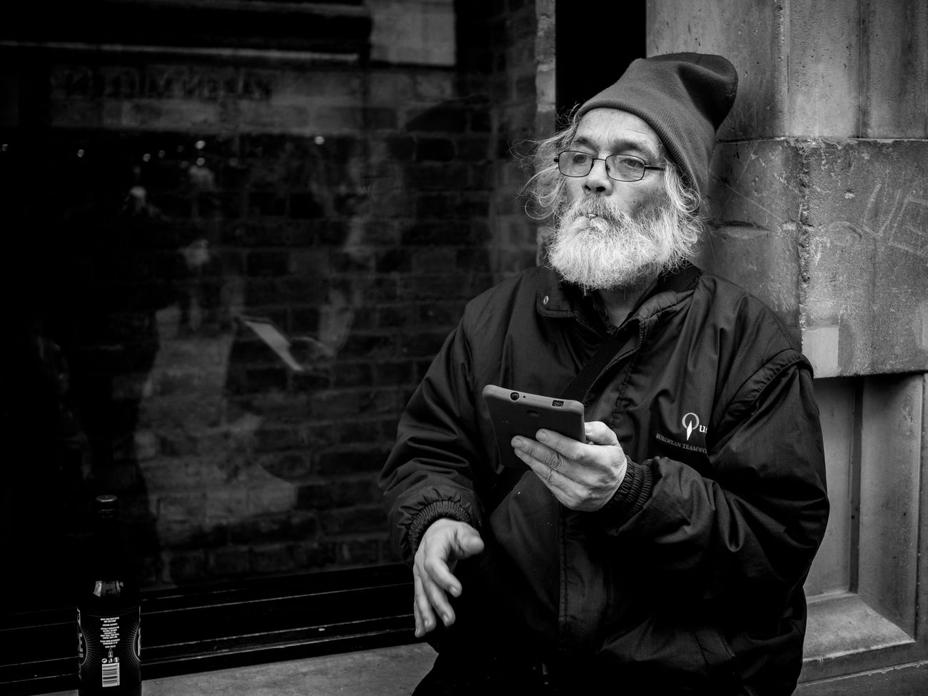 There Pleasures. Monochrome Photography Prime Lens London Street Photography Peope Streetphotography Street Maxgor.com Maxgor Rawstreets Olympus Pen-f 50mm Olympuspenef City Portrait City Life Blackandwhite Streetphotography_bw Streetphoto_bw Black And White Soho Covent Garden Market