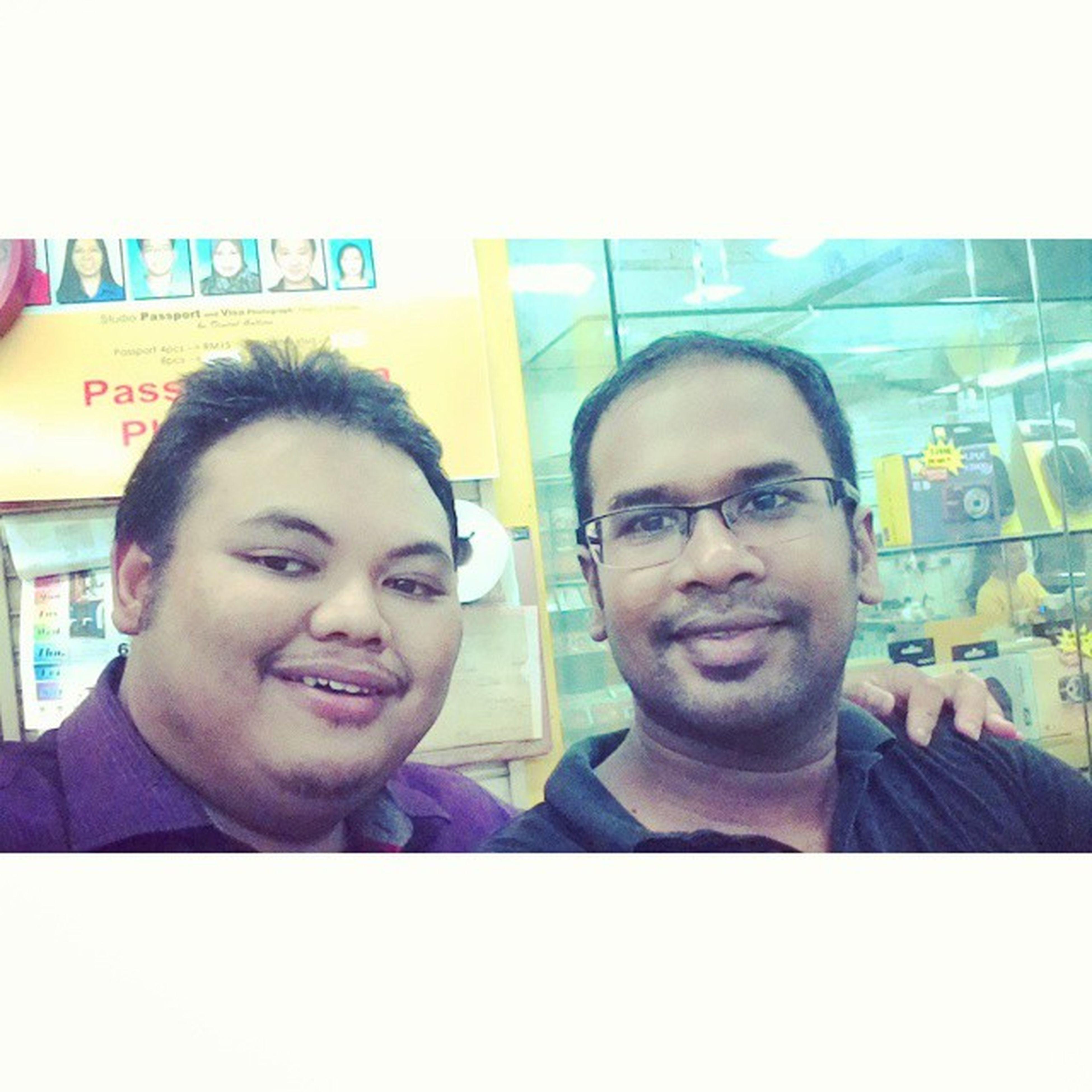 Selfie bersama Rakan lama umar at Digitalgallery yo!