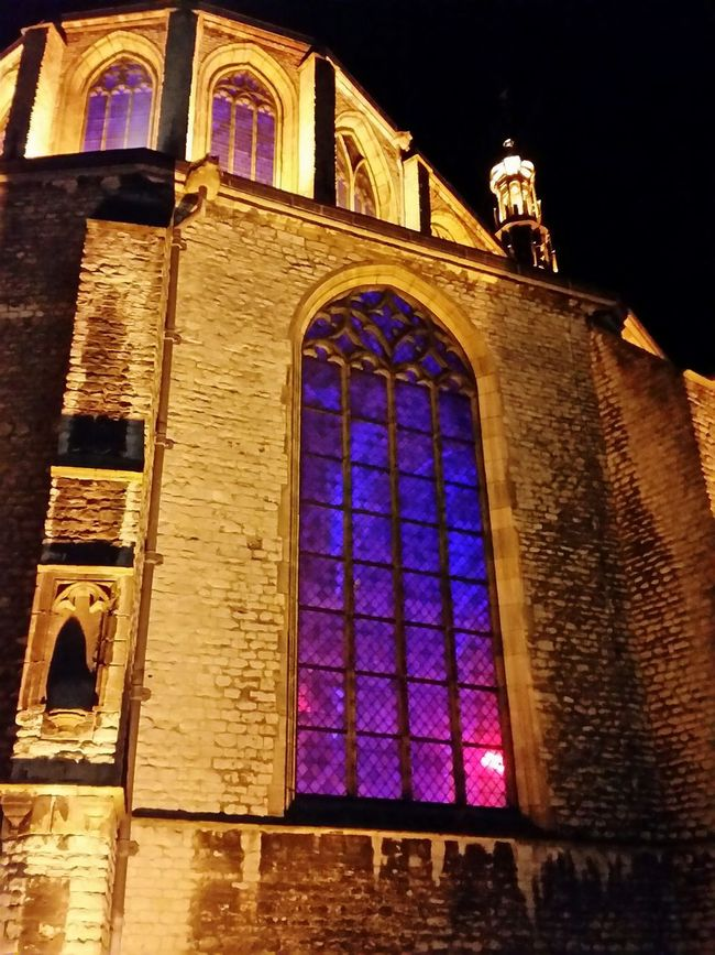 Churches And Beauty Church Window Oude Kerk Kerk Churchporn Old Churches The Netherlands Old Windows Windows_aroundtheworld Churches Church Old Church Nightshot Window Night Photography Nachtfotografie Old Buildings Alkmaar NL Cities At Night Ladyphotographerofthemonth Smartphonephotography Photography Samsung Galaxy S5 Street Photography