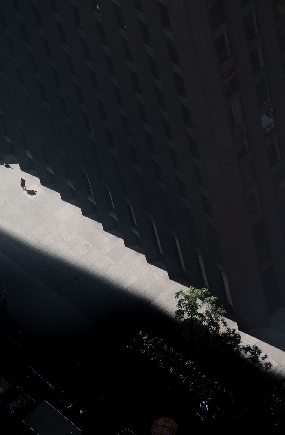 the lonely souls wandering New York Architecture Geometric Shape NYC Photo Of The Day Solitude Stranger The One