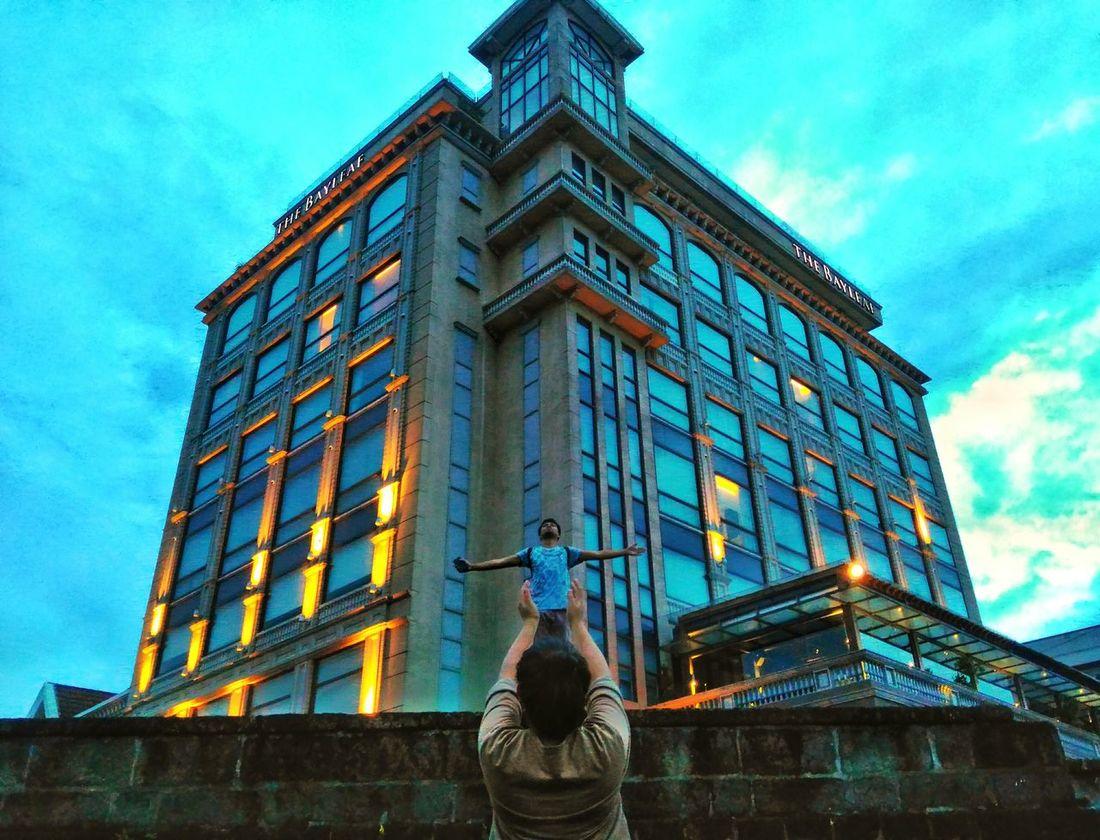 Apocalypse: The end. The Innovator The ınnovator Mobilephotography Optical Illusion EyeEm Bestshot Manila Itsmorefuninthephilippines Fine Art Photography Fineart_photo FinestofEyeEm Pivotal Ideas Colour Of Life Battle Of The Cities