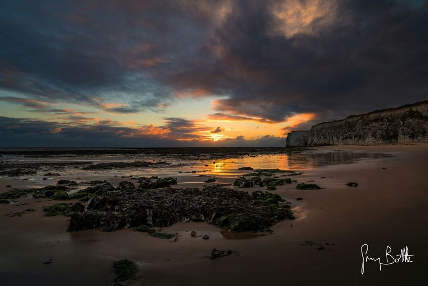 Sunrise, Botany Bay Broadstairs Kent Botany Bay England Sunrise Sunrise_sunsets_aroundworld Sunrise_Collection Beach Photography Beach Landscape_Collection Landscape_photography Landscape Seascape Seascape Photography Chasing Light Nature_collection Sony Images Eye4photography  Sony A7RII Sonyalpha EyeEm Best Shots - Landscape EyeEm Masterclass Clouds And Sky