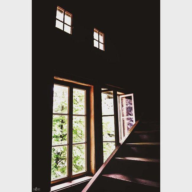 The dark stairwell. CripixtMovement Michaellangerfotografie Fotografie Photography Photographyislife Architecture Sächsischeschweiz Travel