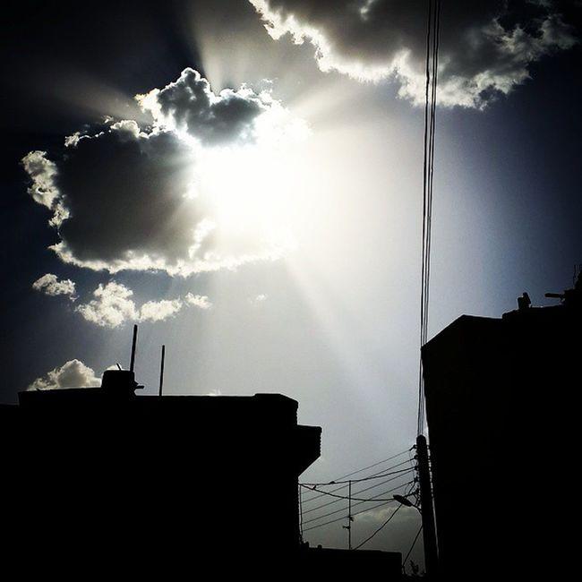 . خدايا اى رب نور حقيقي و خداوند کرسى بلند و درياى احسان، از تو مى خواهم به ذات بزرگوارت ، و به نور جمال تابانت و فرمانروائى ديرينه ات، برسان به مولاى ما آن امام راهنماى راه يافته و قيام كننده به فرمان تو از طرف من و پدر و مادرم درود هائى هموزن عرش خدا و شماره كلمات و سخنان او... دعای_عهد آغاز امامت م_ح_م_د مبارک یا_مهدی العجل مولا