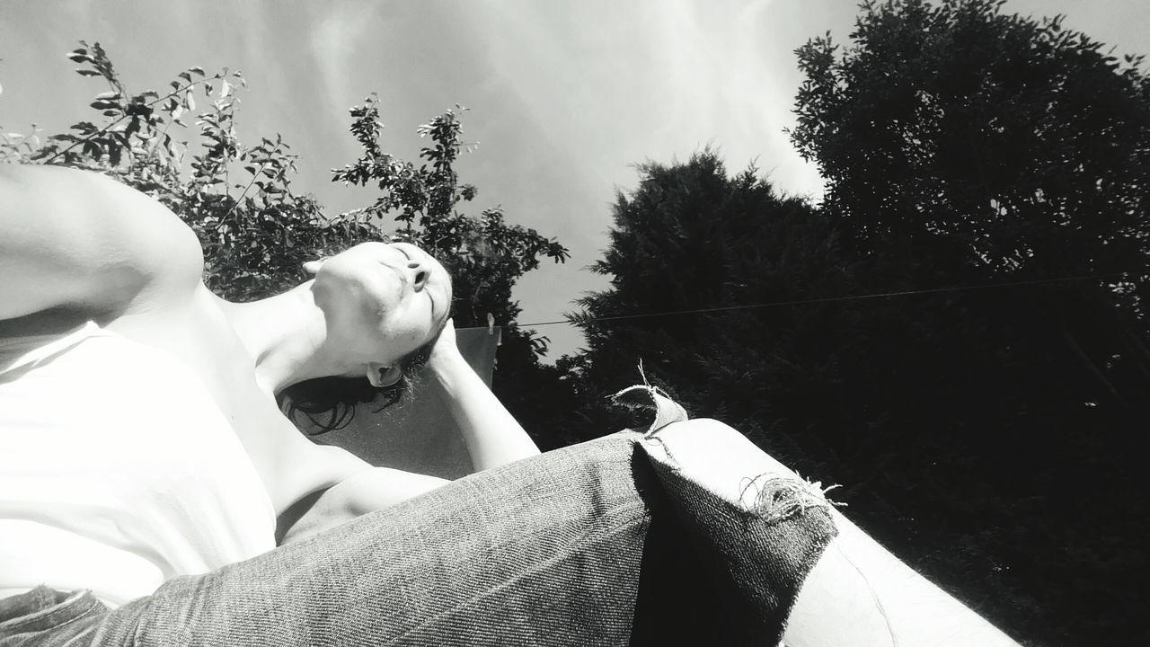 Beautiful stock photos of schwarz,  35-39 Years,  Day,  Hand In Hair,  Horizontal Image