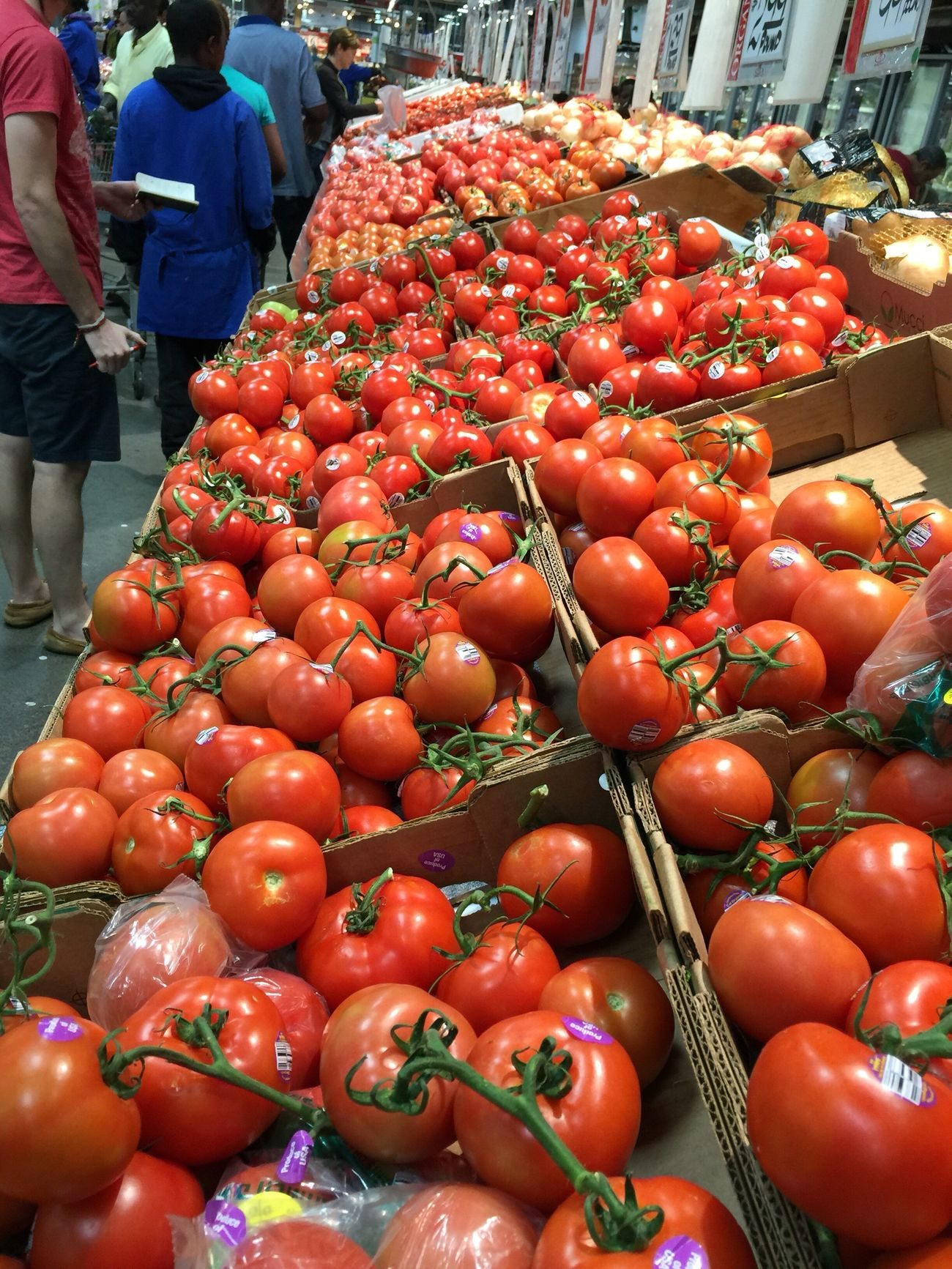 Your Dekalb Farmers Market A World Market Exotic Foods Varieties And Choices Super Healthy Foods Tomatoes