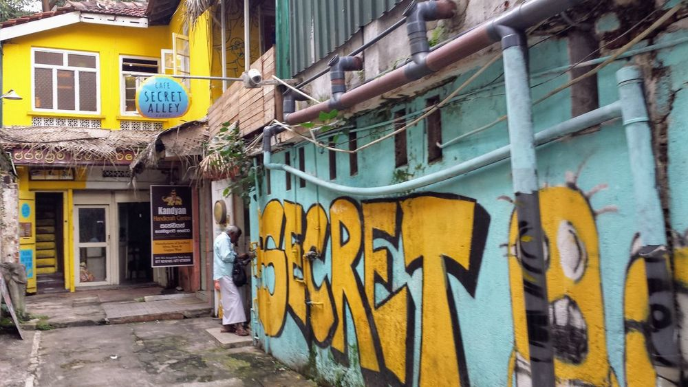Hidden Gems  Sri Lanka Alley Architecture Building Exterior Built Structure Chillout Coffeshop Day Graffiti No People Outdoors Yellow