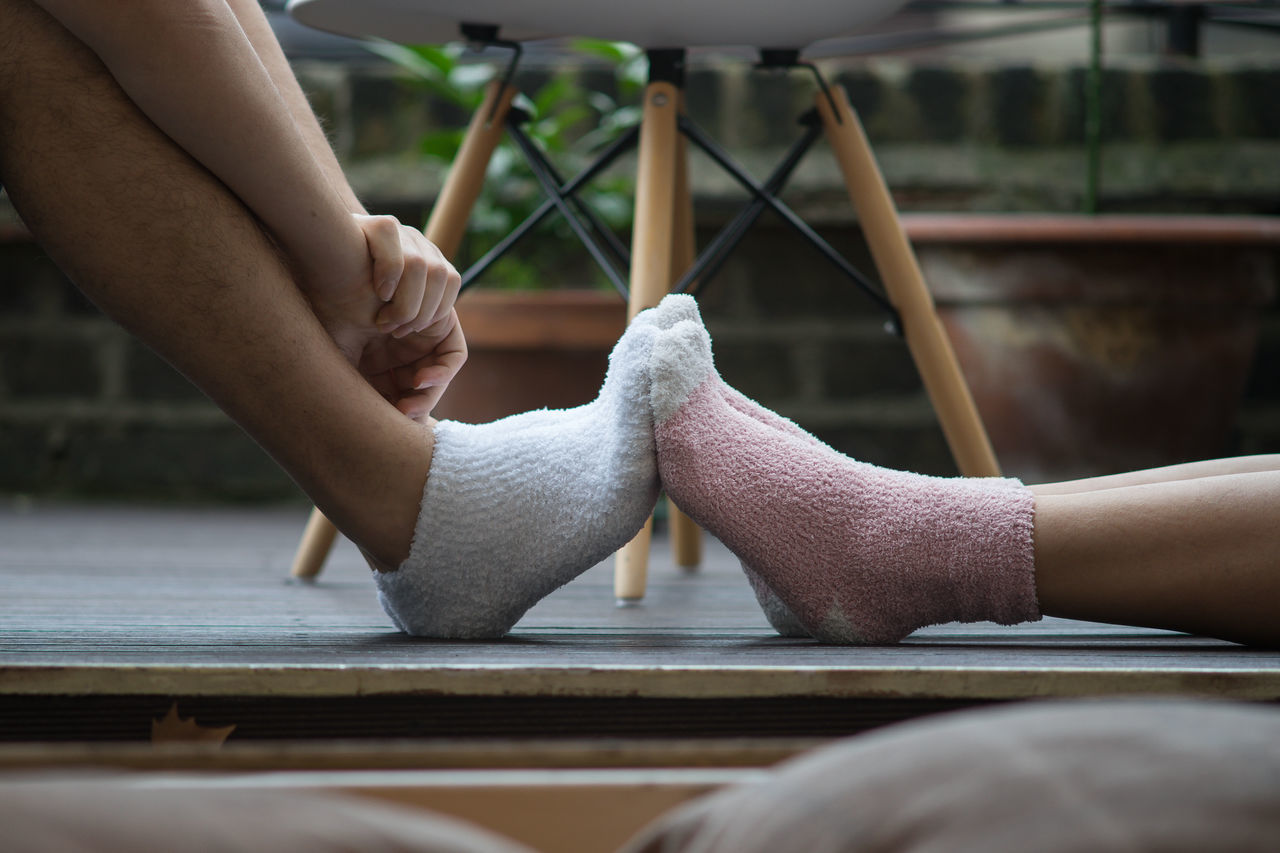 Love Pictures Always Be Cozy Beautiful bestoftheday cozy cozy at home feet Foot human body part human hand Love love ♥ My Year My View people popular Relaxing sock socks SONY a7ii sonyalpha takumar TK Maxx Socksie waiting game warm Lieblingsteil