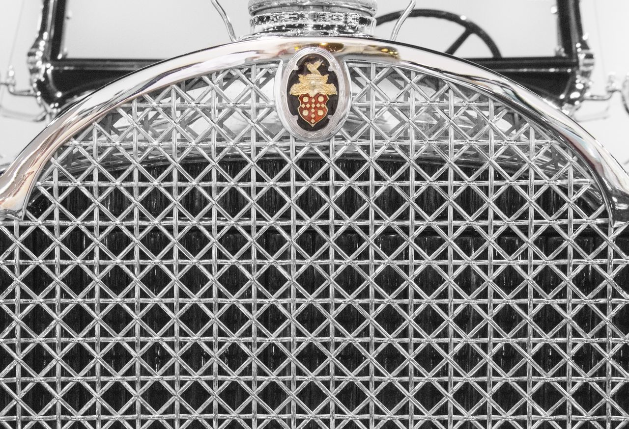 Metal Close-up Transportation No People Outdoors Day Technology Chrome Ladyphotographerofthemonth Custom Cars Vintage Cars Old-fashioned Luxury Land Vehicle Retro Styled Hood Close Up Backgrounds Background Texture Transportation Car Old Car Mode Of Transport Emblem  Escutcheon