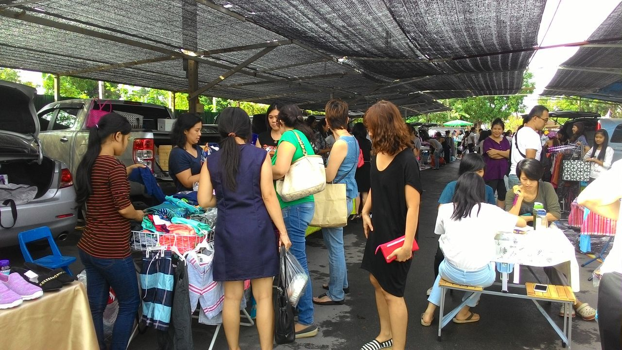 Buy Car Festival Season Market Move Openback People Sale Shop Shopping