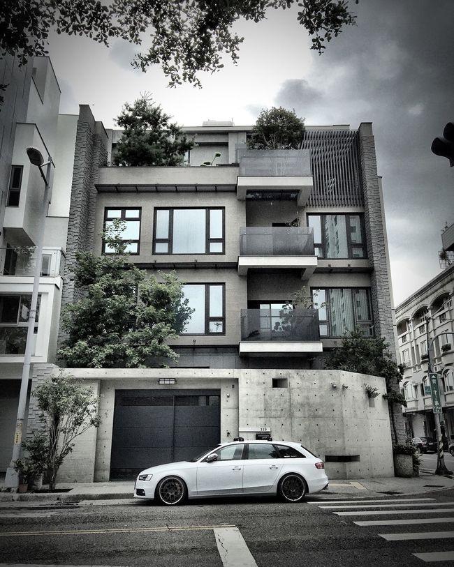 A4 Avant 安靜的下午 豪宅很漂亮 Eyeemphotography EyeEm Best Shots First Eyeem Photo House Nice Cars Nice Day Niceday