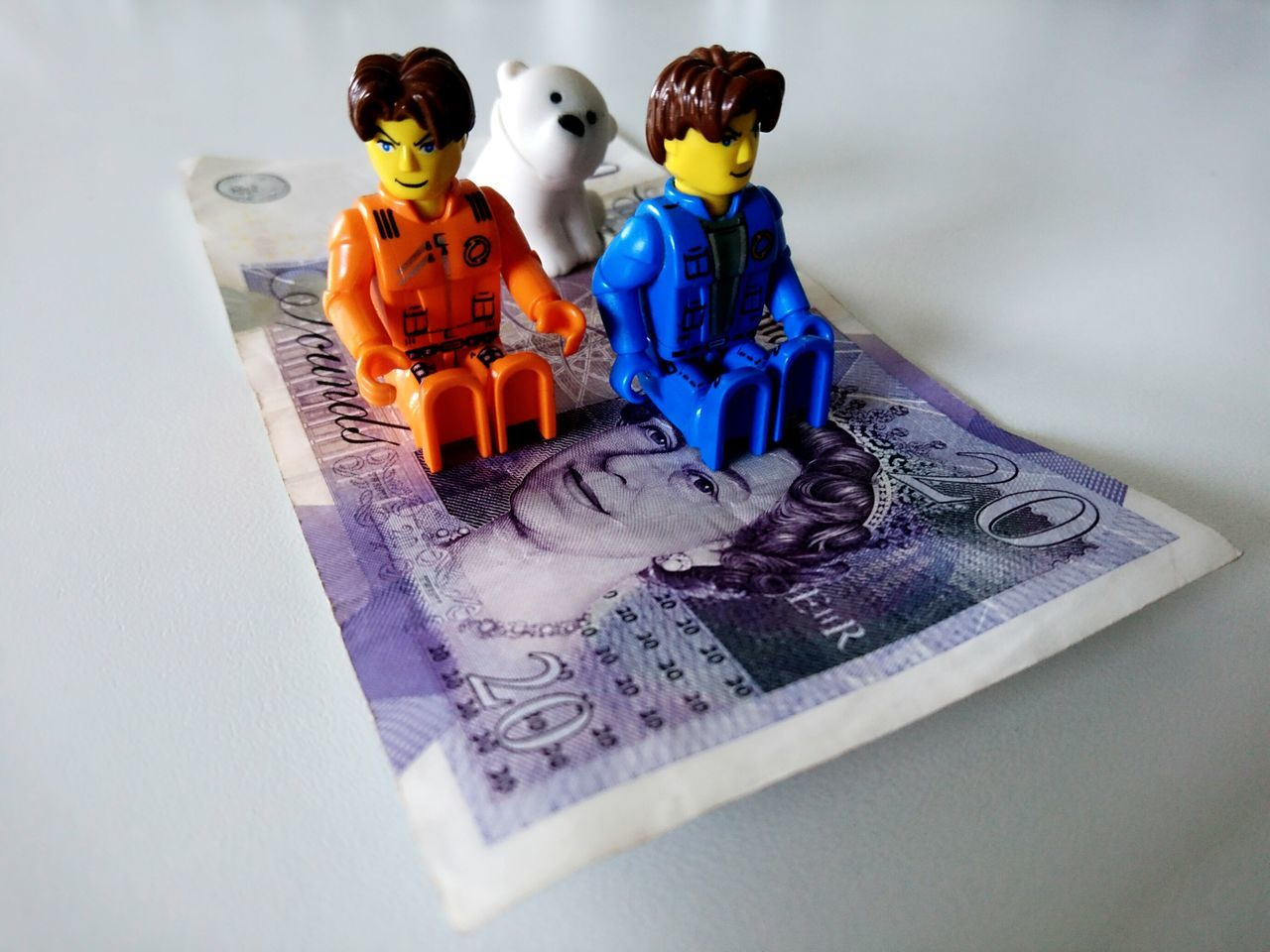 Creativity Togetherness Business Finance And Industry Indoors  LEGO Legophotography Flying Carpet Money 20 Pounds Sterling Toys Bear
