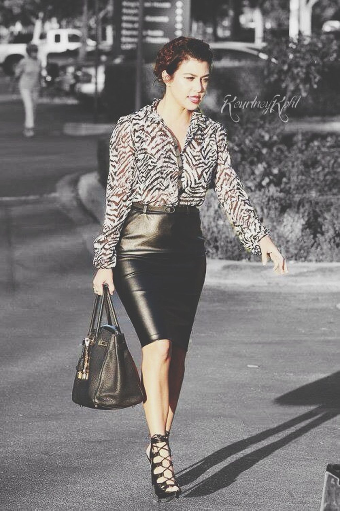 Kourtneykardashian Kardashian Kardashiankollection