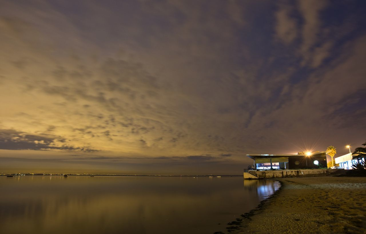 Atmosphere Atmospheric Mood Baia Baia Tejo Beach Restaurant Cloud Cloud - Sky Cloudscape Cloudy Dramatic Sky Majestic Moita Moody Sky Orange Color Overcast Restaurant Sky Storm Cloud Tejo Tranquil Scene