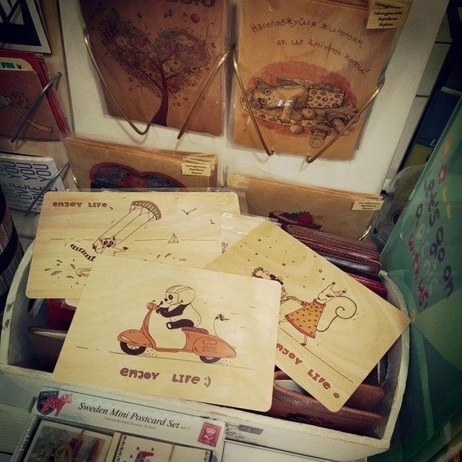 Красота теперь и в @chickenart и в @harmsbookshop 🐤😸 Flexiwood Chickenart Harmsbookshop Harms Picspocs Picspocsofficial Shopping Vespa Kiting Diving Enjoylife Woodcards Woodencards