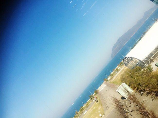 高松 駅での近くのビルからの 海 !