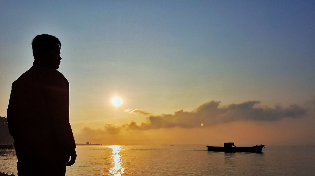 Silhouette Reflection One Person Sky Water TOBALAKE INDONESIA Travel Destinations Landscape Sinabung Sumatera Utara The Portraitist - 2017 EyeEm Awards The Great Outdoors - 2017 EyeEm Awards