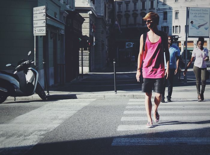 Pink is the color of fashion. EEA3-Trieste EyeEm Trieste TriesteSocial Candid Street Photography Streetphoto_color
