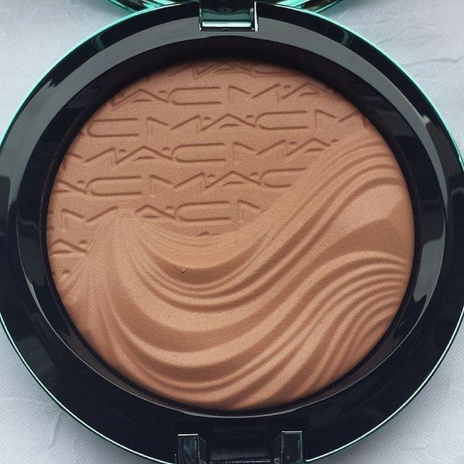 @maccosmetics Mac Alluringaquatic Macalluringaquatic Limitededition extradimension extradimensionbronzer bronzer aphroditesshell maclover beauty beautiful cosmetics bblogger beautyblogger blogger nofilter