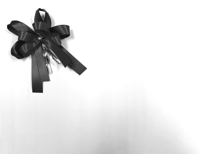 ริบบิ้น ขาวดำ Black & White Black&white Black And White Blackandwhite Handmade White Background ArtWork Man Made Wonders Man Made Object Ribbon Black Ribbon Arts Culture And Entertainment Sad Sadness Sad & Lonely Die Death Death Note Death
