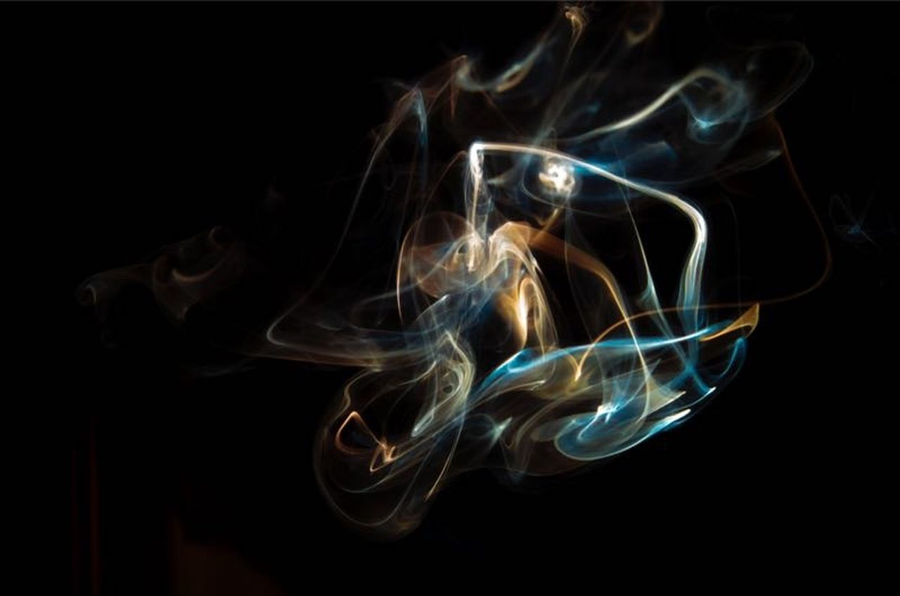smoke - physical structure, black background, abstract, motion, studio shot, no people, backgrounds, indoors, close-up, day