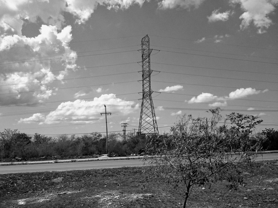 Another tower. Nature Vs Urban Xperia ZL No People Mobile Photography Landscape Street Photography Yucatan Mexico Outdoors Electrical Tower Black And White Black And White Photography B&w Street Photography