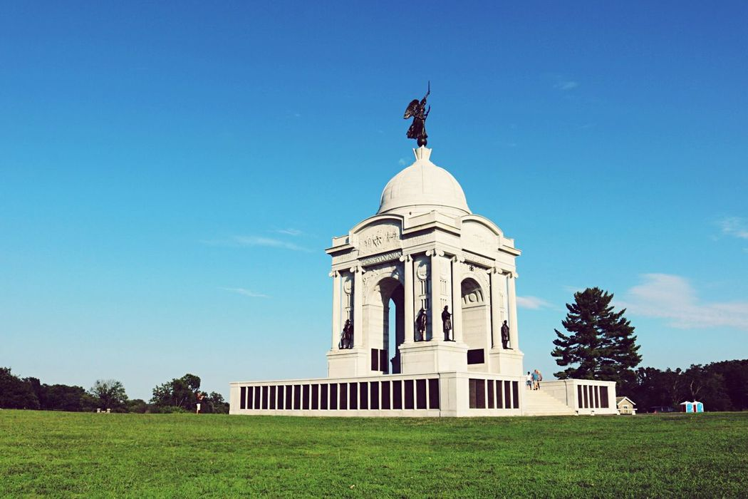 Monument at Gettysburg PA. Such a beautiful place to photograph && learn about our country's history. 🇺🇸 Taking Photos Monument Civil War Travel Destinations Fresh On Eyeem  USA Summer EyeEm Best Shots Travel Photography Weekend Activities På Hello World Found On The Roll Gettysburg Learning Enjoying Life Scenery Check This Out Canon