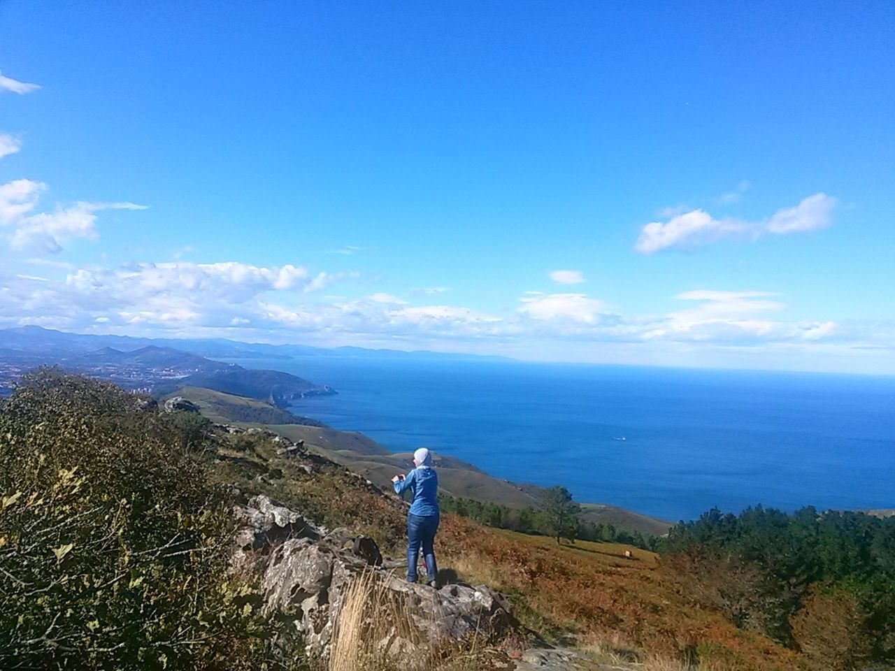 Leisure Activity Hiking Rear View Nature Exploration One Person Sky Adults Only Sea Sea And Sky Outdoors Scenics One Woman Only Vizcaya Adventure Mountain Nature Beauty In Nature Miles Away Basque Country