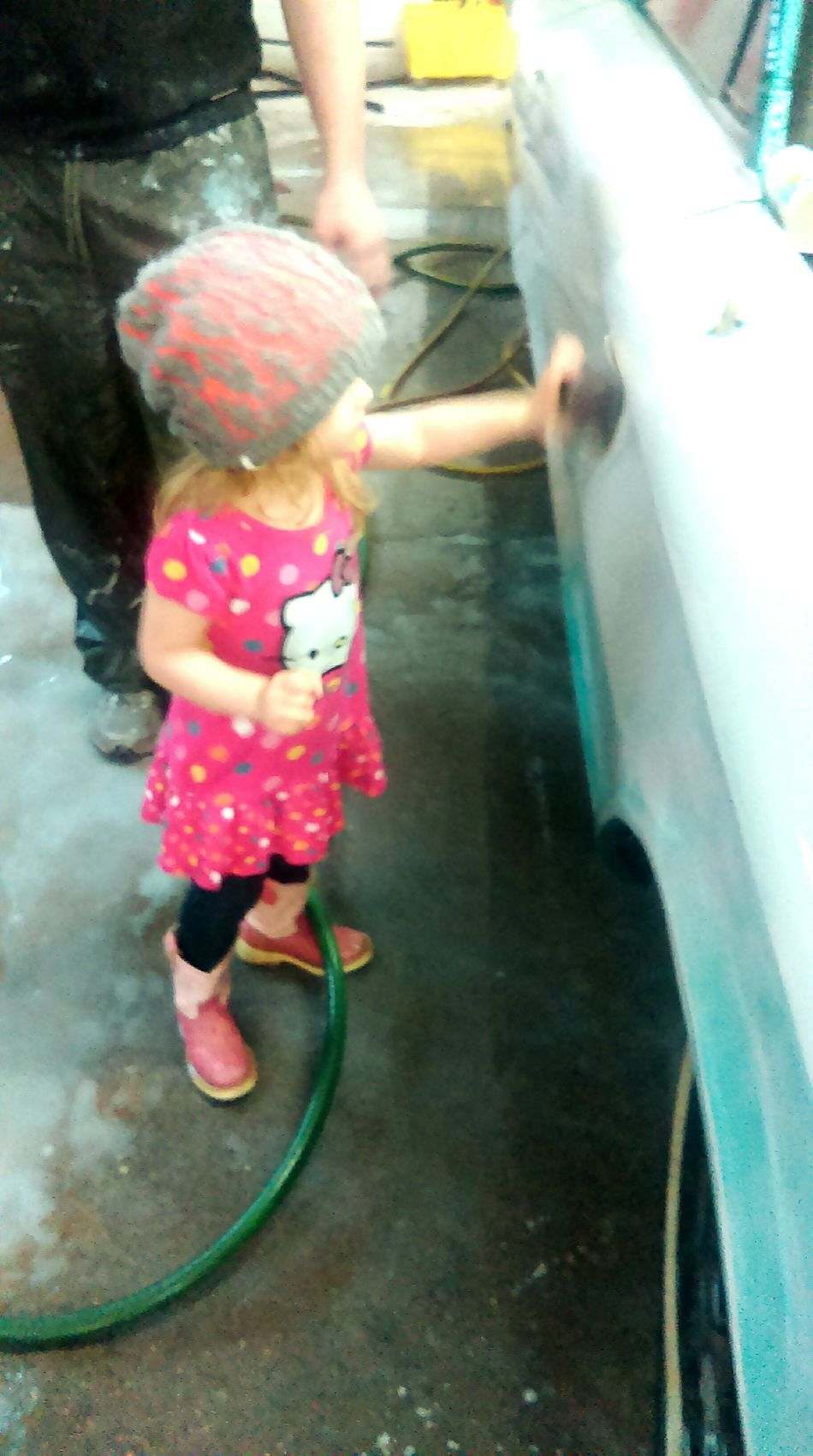 Having Fun ♥ Visiting Daddy's Work Ambitious Tomgirl Cars Wetsanding Workingoncars