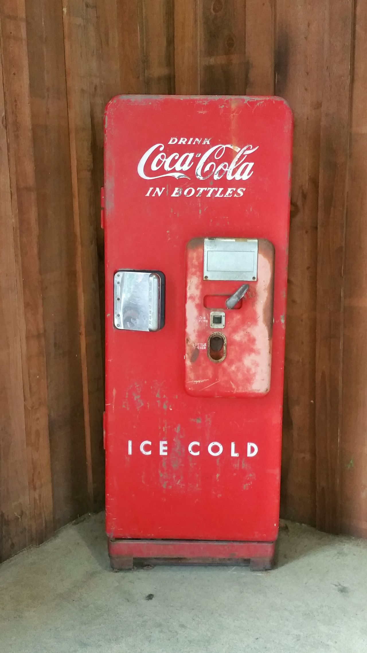 Antiques Old Drink Machine Times Gone By Times Past Red Drink Cooler Drink Machine Vintage Vintage Machine Vintage Drink Machine Old Coke Machine Vintage Coke Cooler Coca Cola Old Coca Cola Machine Cola Pop Machine Old Coke Drink Coca-cola