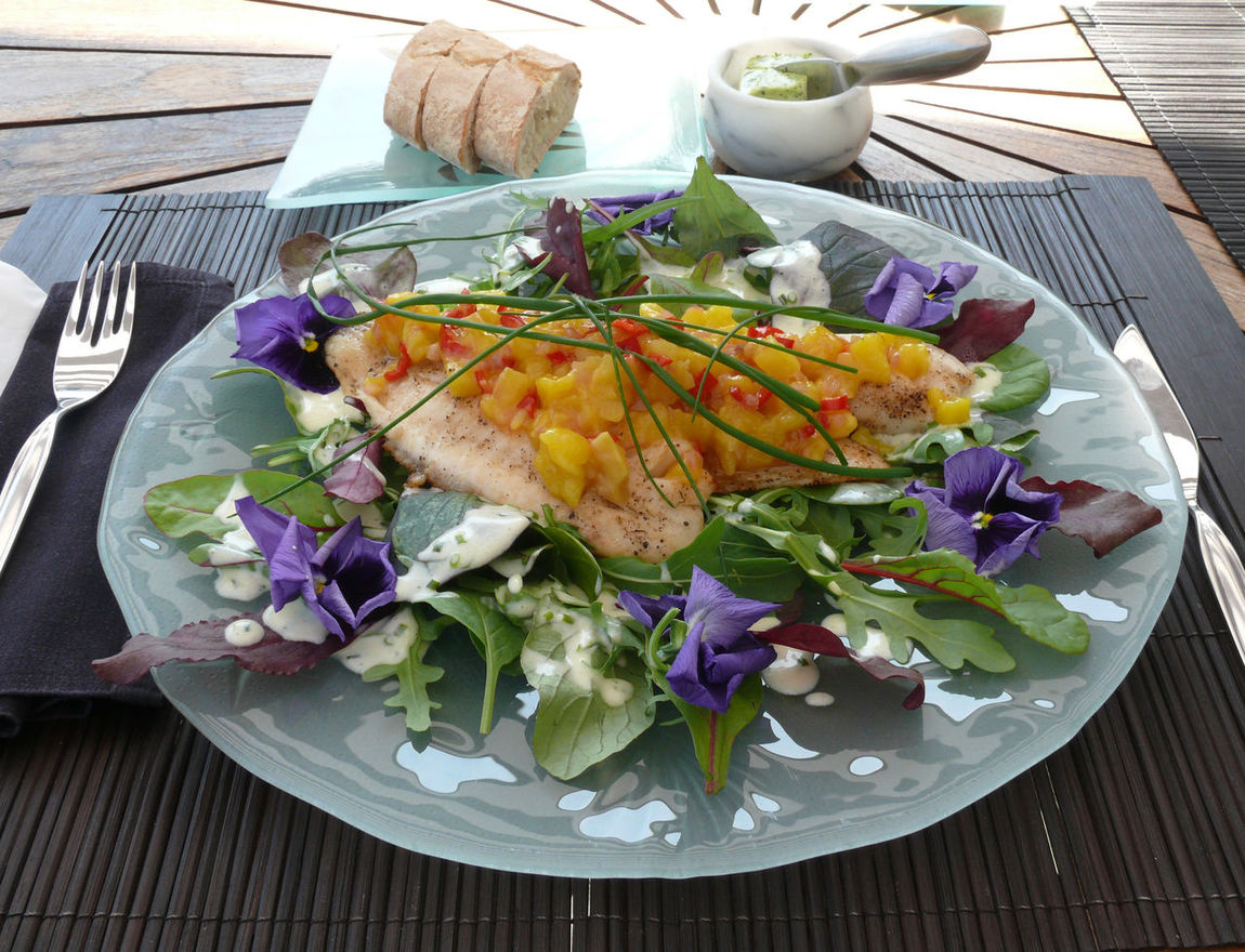 Day Fish FishMeal Food Freshness Healthy Eating No People Plate Ready-to-eat Salad Salad Salad Bowl Salad Vegetable Speisefisch Table Talapia Talapia With Fries