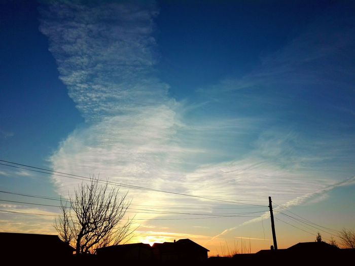 beautiful sun light Sunset Silhouette Cloud - Sky Sky Nature Outdoors Bird Beauty In Nature No People Scenics Day An Eye For Travel