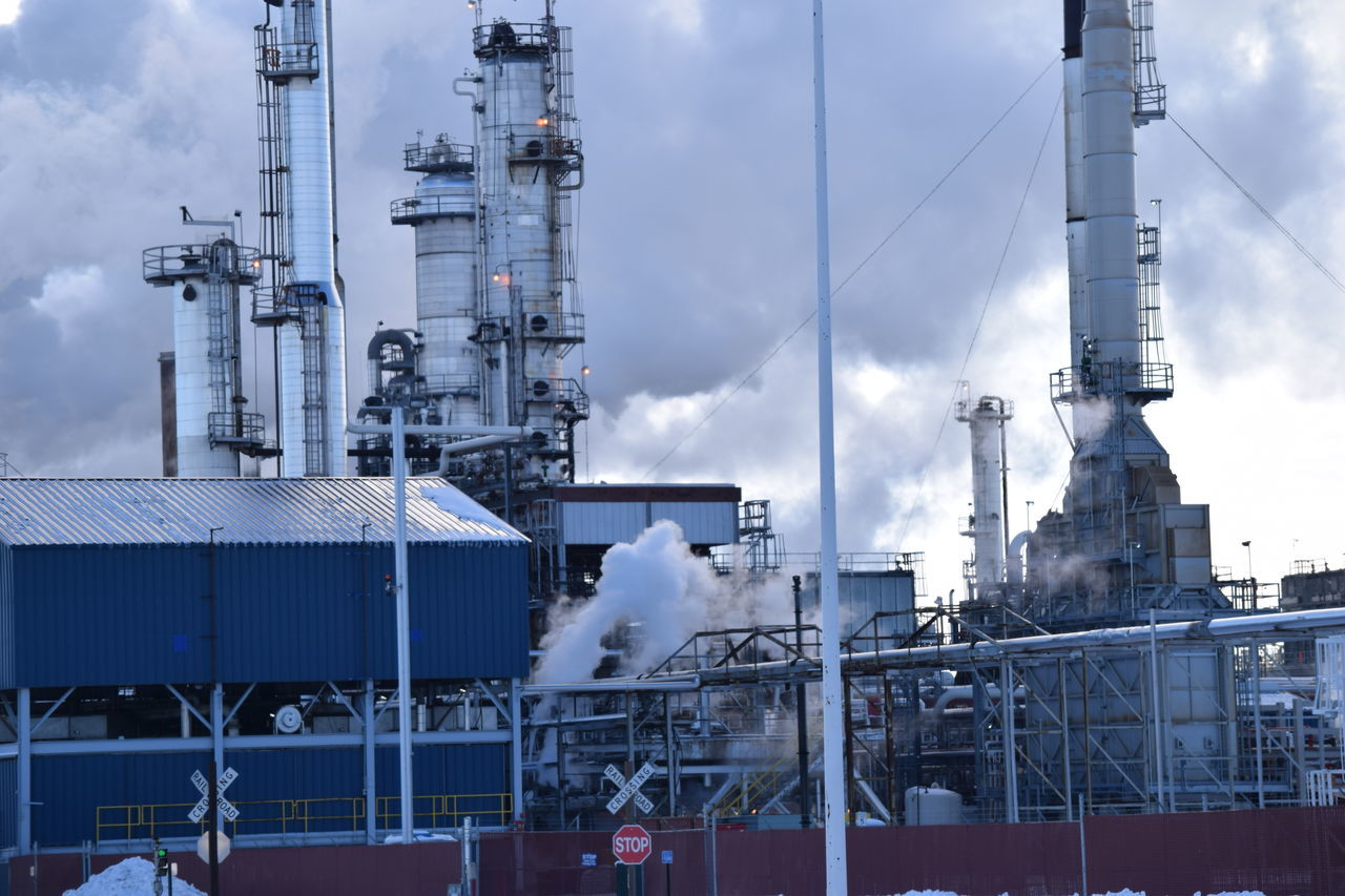 Business Finance And Industry Cloud - Sky Day Factory Fossil Fuel Fuel And Power Generation Industrial Building  Industry No People Oil Industry Oil Refinery Outdoors Petrochemical Plant Refinery Sky Smoke Stack Technology