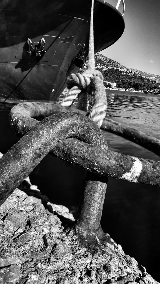 The Essence Of Summer Blackandwhite Rusty Metal Cape Point Rope Swing Ropeway Blackandwhite Photography Vessel In Port From My Point Of View Low Angle Shot Rustic Rusty Rope Ship Port Life Malephotographerofthemonth Black And White Black & White