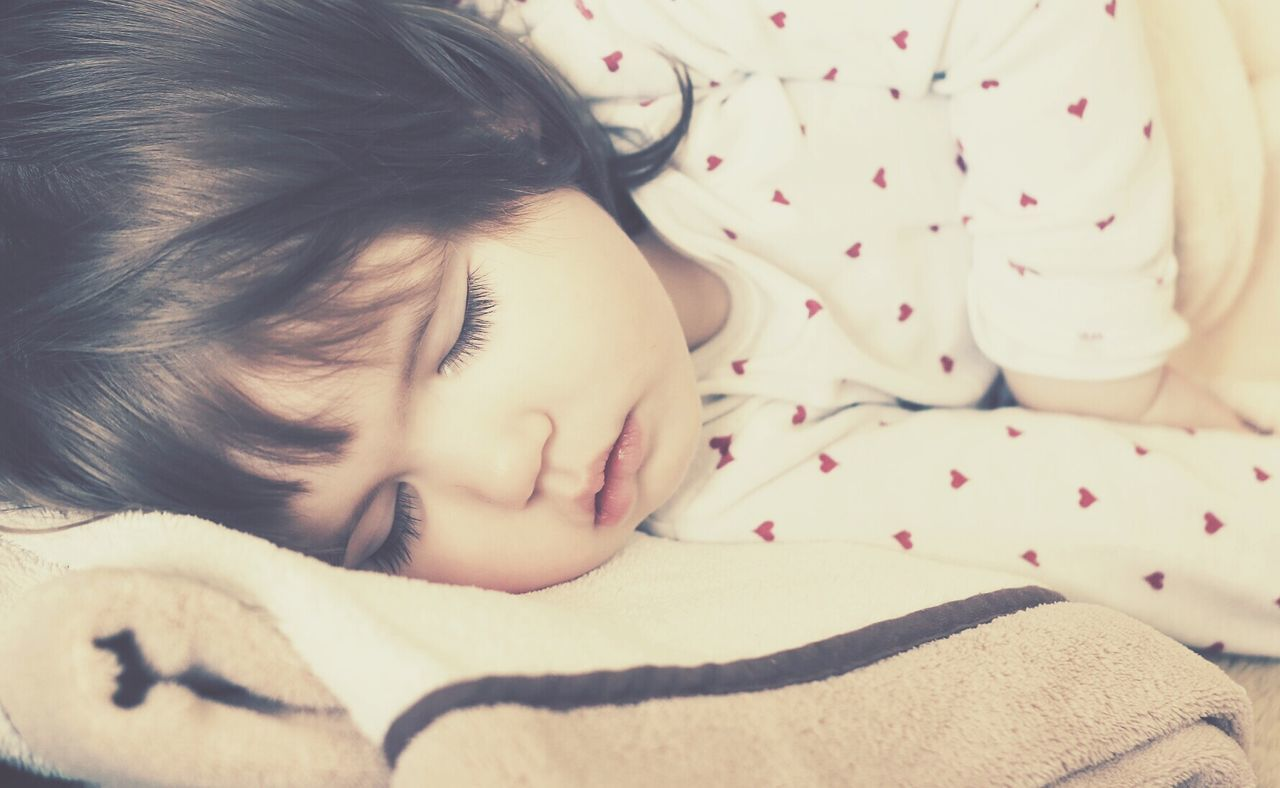 Baby Girl Child Kid Sleep Sleep Time Sleeping Resting Calm Beauty Peaceful Close Up Face Cute Person Portrait Lifestyle Market Reviewers' Top Picks Having Nap Nap Kids Portrait Kids Kids Of EyeEm