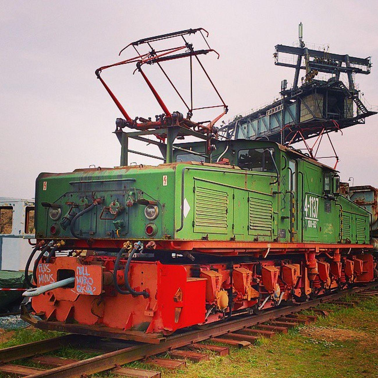 Kohlezug im Braunkohletagebau E -Lok Leipzig Tagebau Braunkohle Fossil