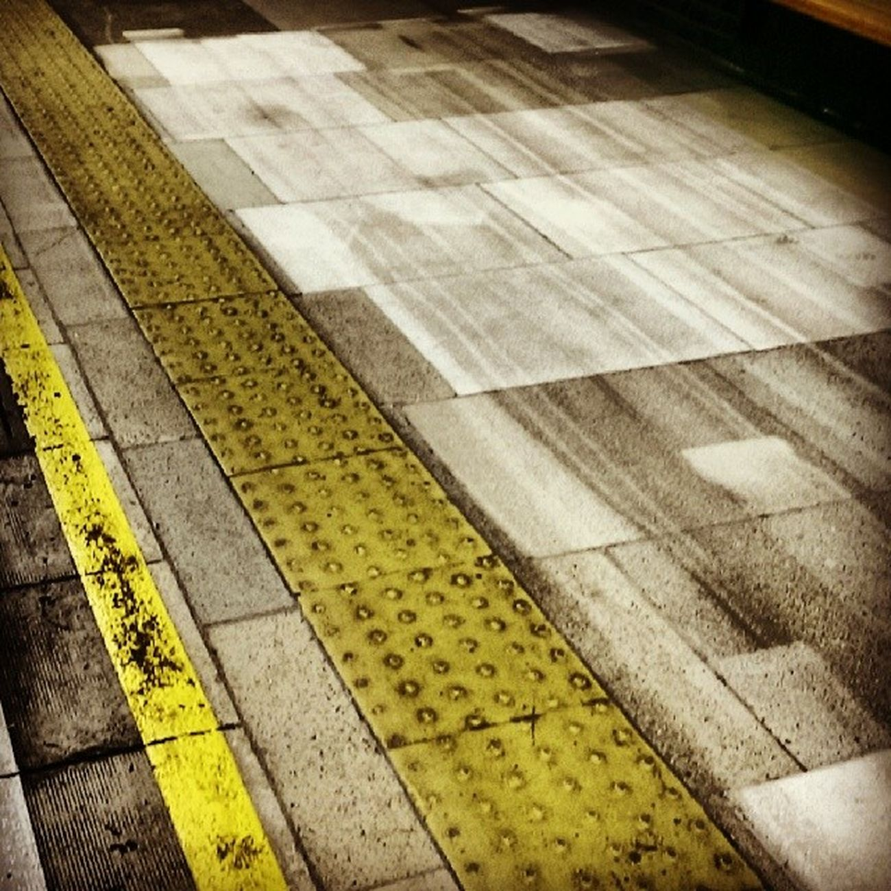 Please stand back from the platform edge London Underground Lu Kennington SE11 yellow streaky