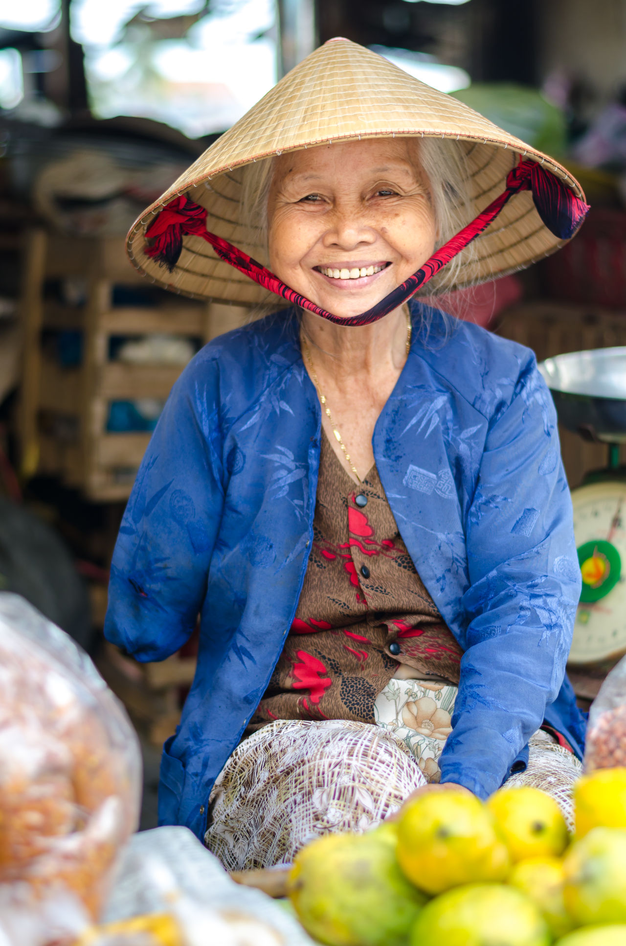 Market Tradition Portrait Farm Market Stall People Cheerful Happiness Smiling One Person Women Portraits Women Around The World Traditional Culture Vietnam Reisefotografie Backpacking Vietnamese Looking At Camera World Market Hoi An HoiAnancienttown Hoian Old Town Hoian, Vietnam Travel Destinations