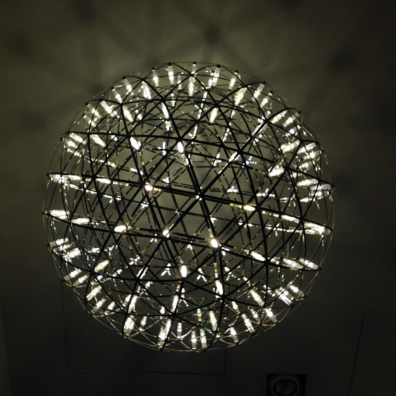 Ceiling light balls