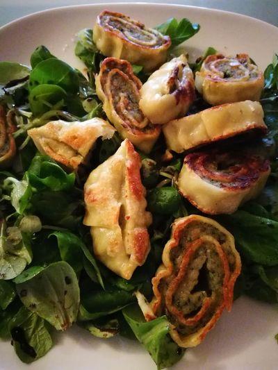 Food Close-up Feldsalat Maultaschen