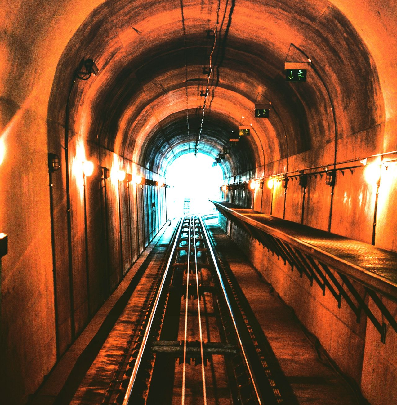 🌀 Transportation Tunnel Arch Rail Transportation Architecture The Way Forward Indoors  Built Structure Illuminated No People Subway Train Day Hanging Out Taking Photo Porto Streetphotografy