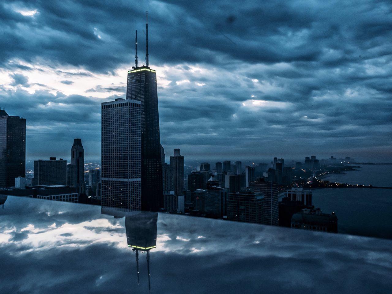 Chicago City Mood Sky Dramatic Sky EyeEm Best Shots Cityscapes VSCO Reflection