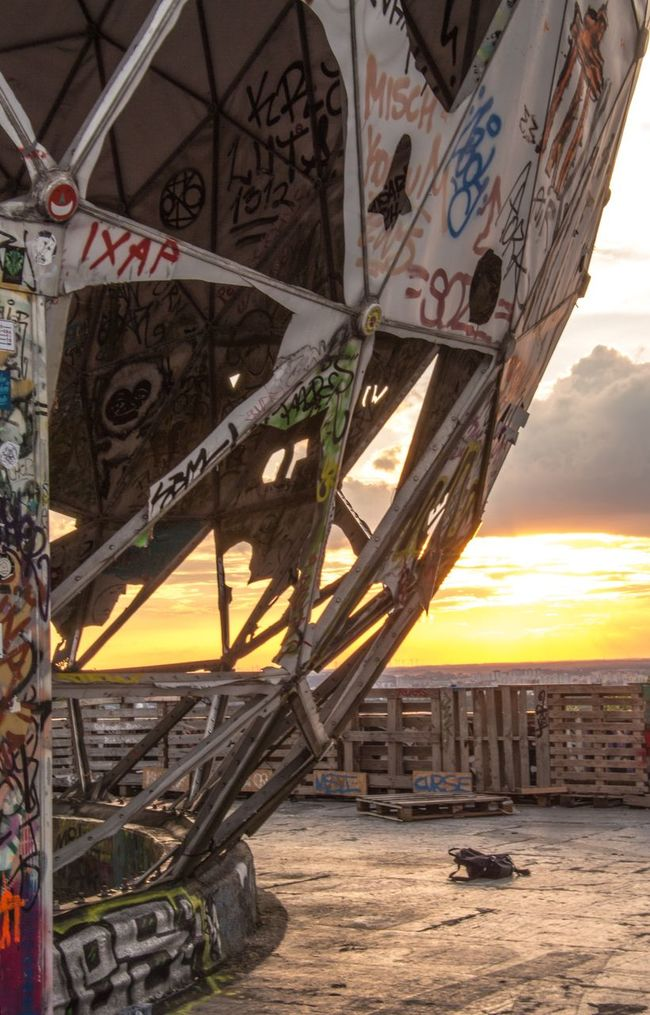 Ruin Evening Sky Evening Abhörstation Abhörstation Teufelsberg Rotten Graffiti Ruined Building Sunset Sky NSA Station Berlin Old Ruin EyeEm Best Edits Taking Photos Teufelsbergberlin Berlin Teufelsberg Architecture Structure EyeEm Best Shots Berliner Ansichten Metall