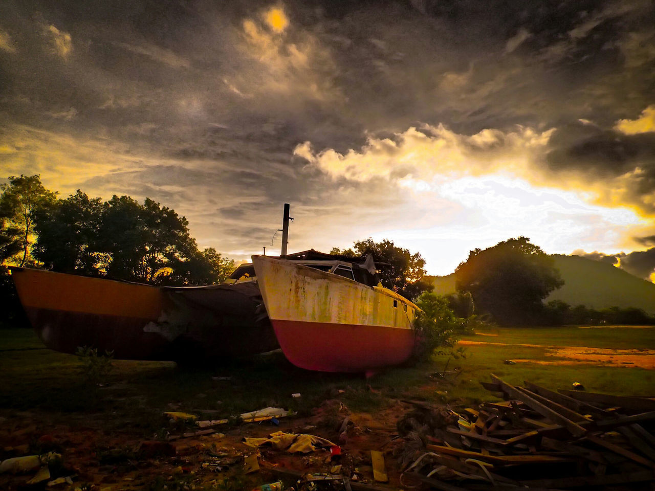 Boats⛵️ Ships🚢 Sunset Cloud - Sky Nautical Vessel No People Cultures Outdoors Beauty In Nature Sky Nature Dramatic Day Backlight Sunshine New Talents Timeless Abandoned Places at UniklMIMET Manjung Perak Malaysia