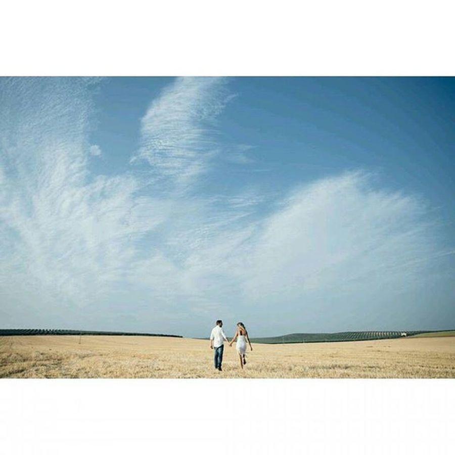 Love & Rock // Preboda Reportaje Pareja Boda Campo Trigal Cielo Naturaleza Wedding Weddingphotographer Fotografodebodas Malaga