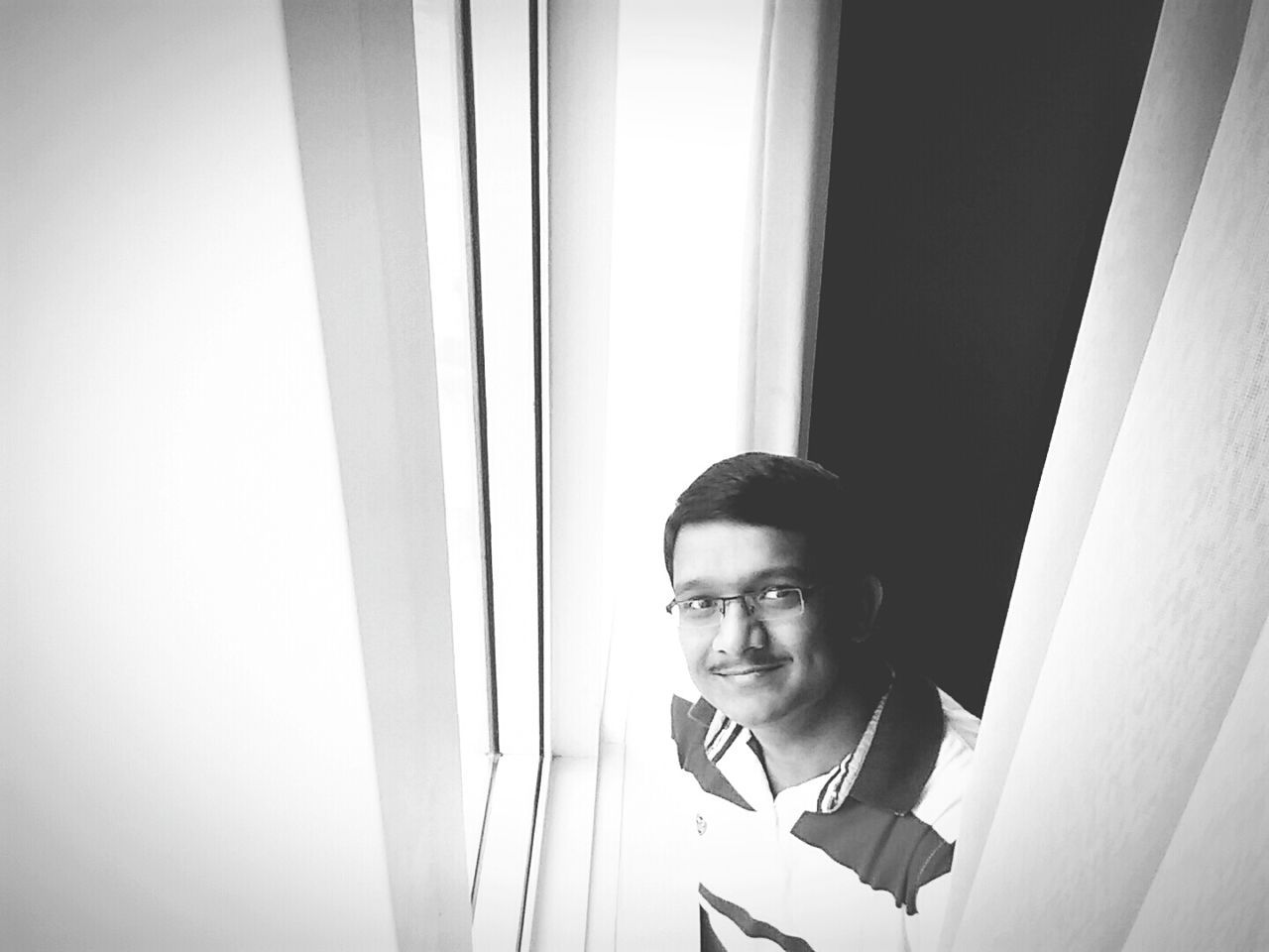 Selfie✌ Selfie Portrait Blackandwhite Photography Black & White Me Self Potrait Just Smile  Trip Photo Tamani Dubai ItsMe:)